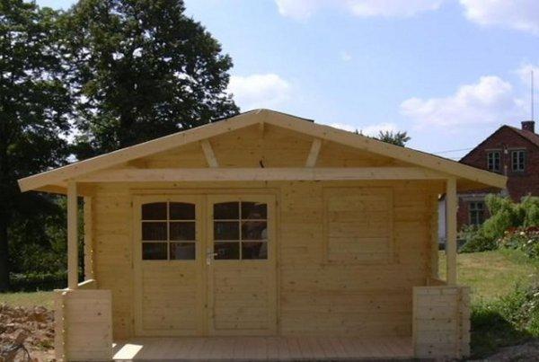 Venkovní sauna vestavěná do zahradního domku